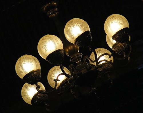 白熱灯シャンデリア