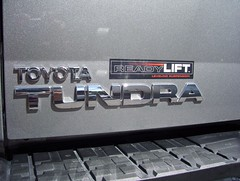 Ready Lift Logo