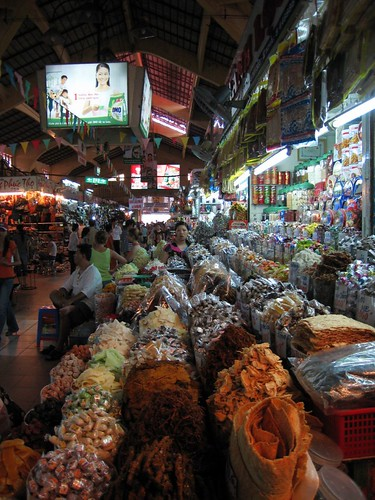 Looking down the main aisle at Ben Thanh