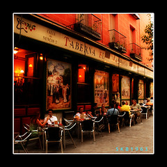 Taberna el Madroo (Harald`s photo-page.) Tags: city people beautiful restaurant colorful oneofakind decorative relaxing artdeco taberna supershot abigfave colorphotoaward amazingshots blackribbonbeauty