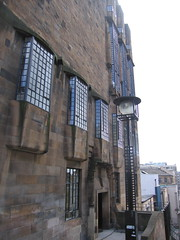 Glasgow School of Art - Fine art bit (backward square leg) Tags: architecture glasgow glasgowschoolofart mackintosh