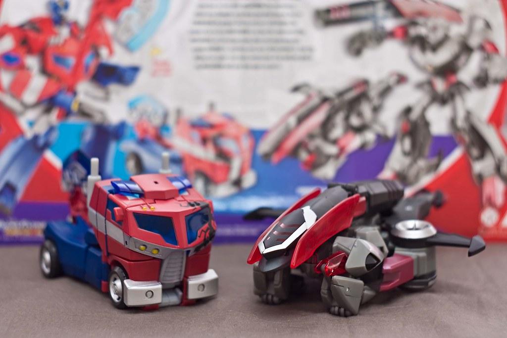 Optimus Prime vs Megatron (Loose in Box)