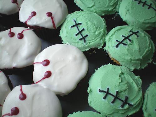 Frankenstein & Dracula cupcakes