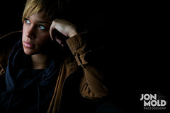 Abby #2 (Moldini { Jon Mold Photography }) Tags: lifestyle negativespace ocf quadra onelight elinchrom oneflash funkyflash jonmoldphotography