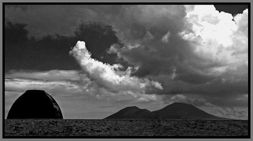 Il mare non bagna </p><p>Napoli