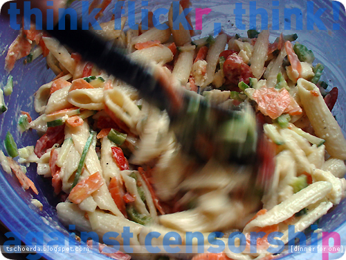 a litte vegetarian pasta salad for hot days