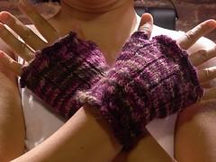 Fetching fingerless gloves