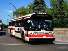 Toronto Transit Commission 2404 (apta_2050) Tags: toronto ontario bus public gm ttc fishbowl transit newlook gmc yorkuniversity generalmotors torontotransitcommission yorku gmfishbowl gmnewlook t6h5307n gmdd gmt6h5307n