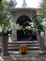 Campa family crypt
