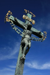 Crucifiction (Alias Rex) Tags: blue sky statue canon gold europe christ cross prague filter backpacking czechrepublic polarizer charlesbridge crucifiction travelphotography rebelxti
