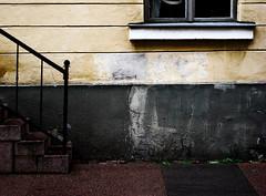 Exit Photo Left (pni) Tags: window wall suomi finland helsinki europe helsingfors eurooppa skrubu pni pekkanikrus