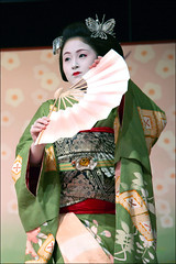 I C H I M A M E: Kitano Odori (mboogiedown) Tags: travel beauty japan asian japanese dance interestingness kyoto asia traditional culture explore maiko geiko geisha kitano kimono tradition kansai odori hanamachi kamishichiken i500 ilovekyoto hanakanzashi discoverkyoto ichimame