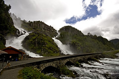 Double waterfall (Mixmaster) Tags: norway geotagged norge waterfall norwegen tourist double noruega foss hordaland norvegia attraction norvege skare haukeli norja norveska norvegienne