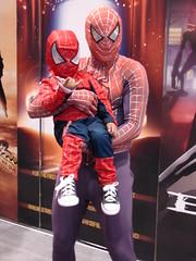 Spiderman & Spiderboy (ZenzenOK) Tags: california ca summer people 15fav public strange pose comics costume colorful mask sandiego cosplay sony spiderman july posing sd dccomics h1 comiccon marvelcomics 2007 sandiegocomicconinternational zenzenok internationalcomiccon