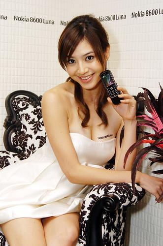 名模白歆惠化身月神出席Nokia 8600 Luna 上市活動