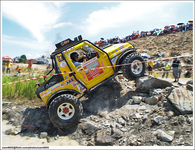 Borneo Safari 2010 - Super Suzuki Rock Crawling