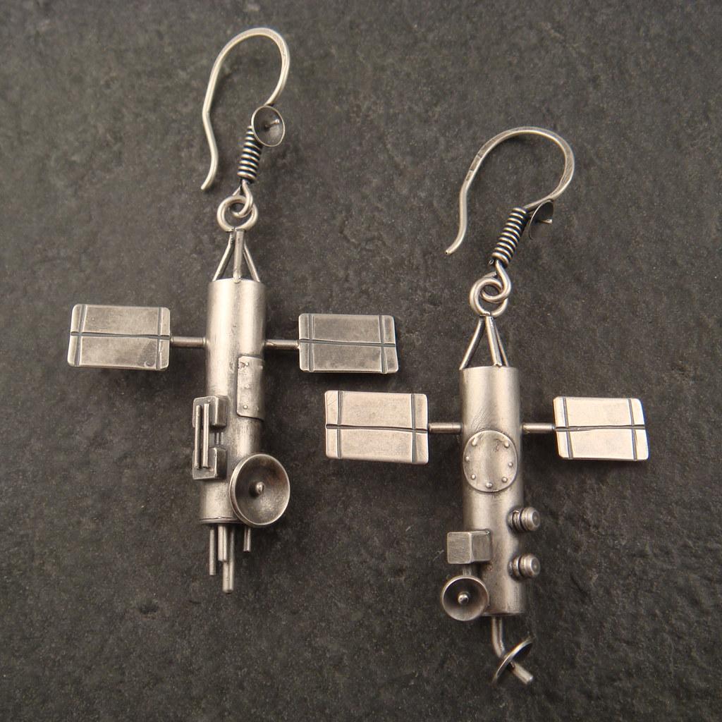 satellite earrings G3