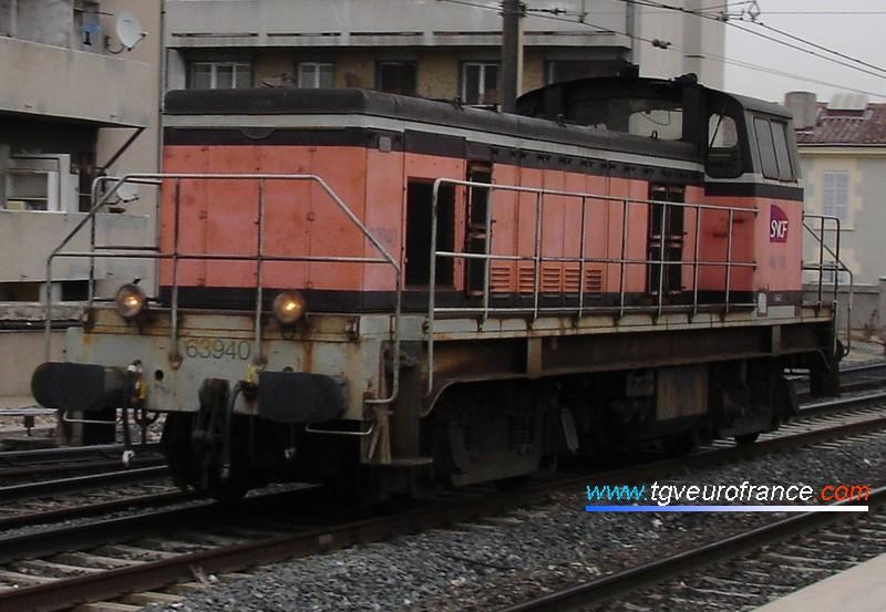 Une locomotive BB 63500 SNCF en gare de Marseille Saint-Charles