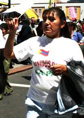 5jul-mujer-banderita