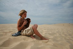 France | Great Dune of Pyla | Nadia (sempreverdebiga) Tags: ocean sea france sand mare bordeaux francia viaggi 2007 oceano sabbia canoneos400 eos400d eos400 aplusphoto duneofpyla dunedipyla