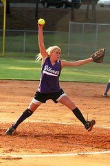 Lauren's pitch (Yer Photo Xpression) Tags: girls lauren sports softball pitcher fastpitch supershot 10faves aplusphoto theperfectphotographer ronmayhew