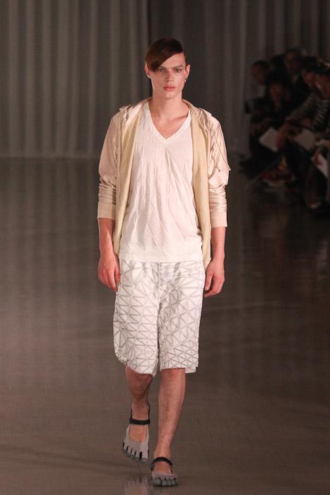 SS11_Tokyo_MOLFIC019_Chris Tanner(Fashionsnap)