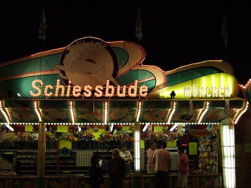 Schiessbude München (Bild von der Wiesn 2007)