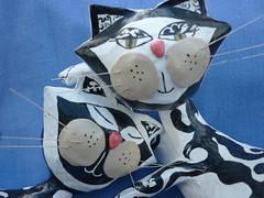 Gatunos (QUIEROESASILLA) Tags: cats gatos cartapesta
