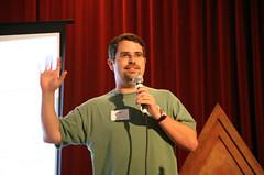Matt Cutts en una conferencia de Whitehat SEO y optimización de sitios web