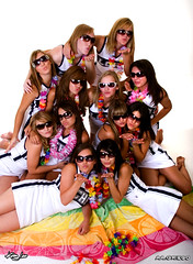 La Cueva Cheer Seniors 2007 (griegophoto) Tags: sunglasses cool cheerleaders lacueva girlsinsunglasses kimjewsports