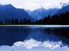New Zealand Lake Reflection by swisscan