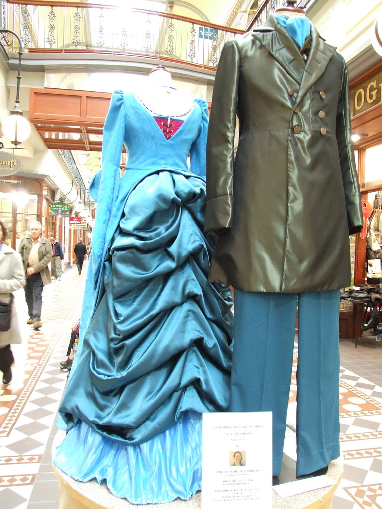 SALA Week '07 // TAFE Historical Fashion Display