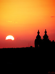 church towers at sunset (julioc.) Tags: sunset pordosol red 2 two orange sun church beautiful silhouette faro religious lumix fz20 quality towers silhouettes twin algarve carmo dmcfz20 j100 julioc religiousbuilding challengeyouwinner mywinners abigfave superfaveme photographybyjulioctheblog ossonoba ilustrarportugal srieouro damniwishidtakenthat gettyimagesiberiaq3