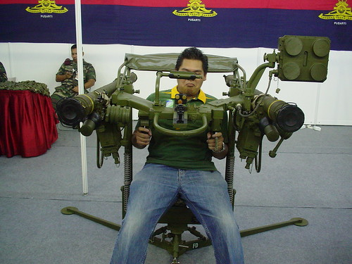 fireworks military visit international malaysia kuala tatoo weapons m16 lumpur tanks 2007