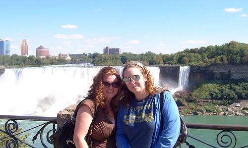 Lola & KHE @ Niagra Falls