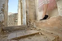 Uno Spiraglio di Grazia (Andrea*C) Tags: italy girl glamour italia vale borgo ragazza castelnuovo rovine