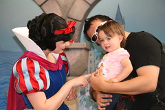Snow White Thanks Princess Peanut for visiting her (Willful) Tags: baby disneyland snowwhite familyvacation disneyprincess fatherdaughter disneycharacters daddydaughter 14monthsold princesspeanut disneythemepark magicneverends disneyprincessfantasyfaire characterinteraction charactermeetgreet