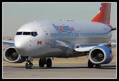 C-FLSW (Wee in YYC) Tags: boeing picnik yyc 737800 sunwing calgaryinternationalairport cyyc cflsw