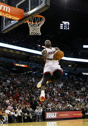 lebron james heat dunking. Lebron James Dunk Sequence (2)
