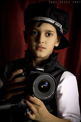welcome to ..the...studio world (Heba AL-Jadaan (Heba _ photo)) Tags: boy horse house man cute love home boys kids canon studio looking kuwait heba   meshari for7ayati  thebestphotographerever