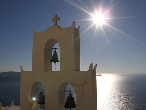 フリー画像| 人工風景| 建造物/建築物| 教会/聖堂| 太陽光線| 鐘| サントリーニ島| ギリシア風景|    フリー素材|