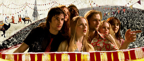 Jude (Jim Sturgess), Lucy (Even Rachel Wood) and friends go on a magical mystery tour 'Across the Universe'.
