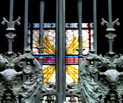 Vitral I (Jorgelixious) Tags: glass cemetery general cementerio coolpix fujifilm vitral vitraux s5600