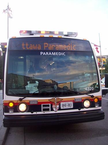 Canada+day+ottawa+bus