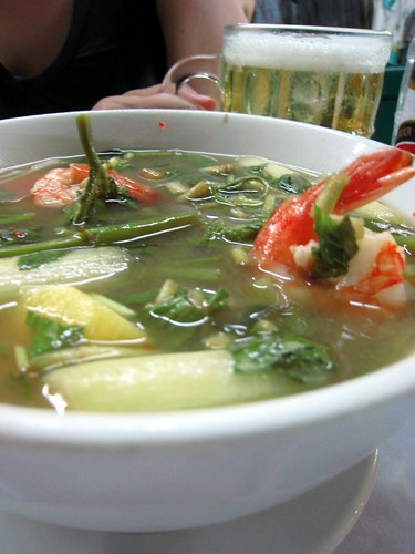 canh chua tom - sour shrimp soup