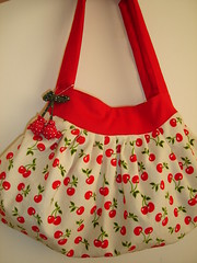 Cherry = a desejada! (Janana Machado) Tags: bag cherry bolsa corduroy