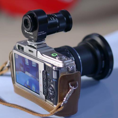 Voigtlander 15-35 Zoom Finder Olympus E-P2 m. zuiko 9-18mm Zoom