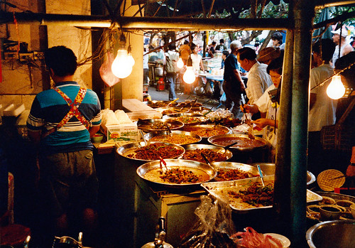 Street restaurant in Bangkok (Source: Oleg Sidorenko)