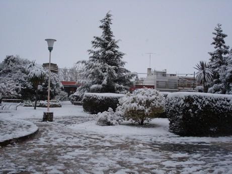 La Plaza central de Hernando cubierta de blanco
