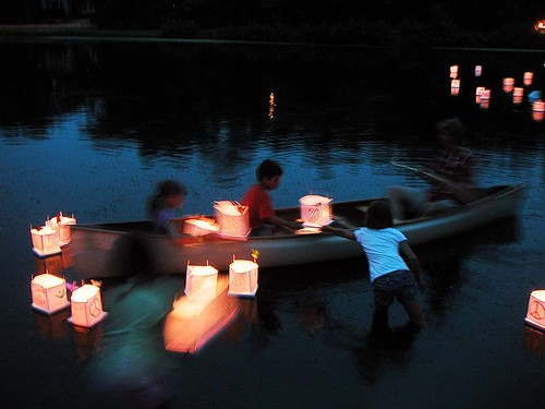 Lanterns for Peace: Everyone Pitches In